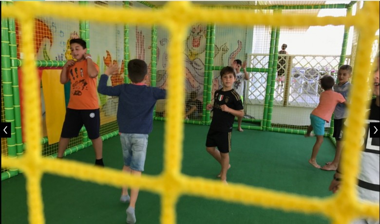 Kids play arena